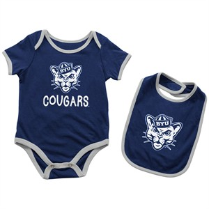 Infant BYU Cougars Blue Look At The Baby Onesie and Bib Set